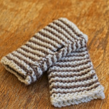 Knitting Patterns Kits : Beginner Knitting Kit - Hand-Warmers - Cream and Coffee - Charlie Button Knit...